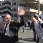 Médias Canal Plus : Quand notre journaliste Louis Morin se fait agresser par les membres de la sécurité du meeting de Francois Fillon.
