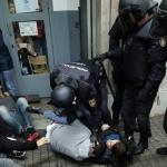 Espagne : Madrid veut destituer le gouvernement catalan au bord de la sécession