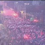 Près de 100'000 personnes défilent à Varsovie à l'appel de l'extrême droite