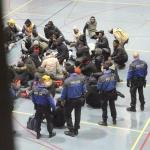 Suisse : Évacuation de 52 migrants de la salle de Grand-Vennes